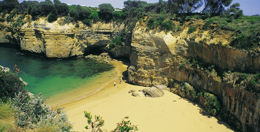 2 Day Great Ocean Road and Phillip Island Tour Loch Ard Gorge